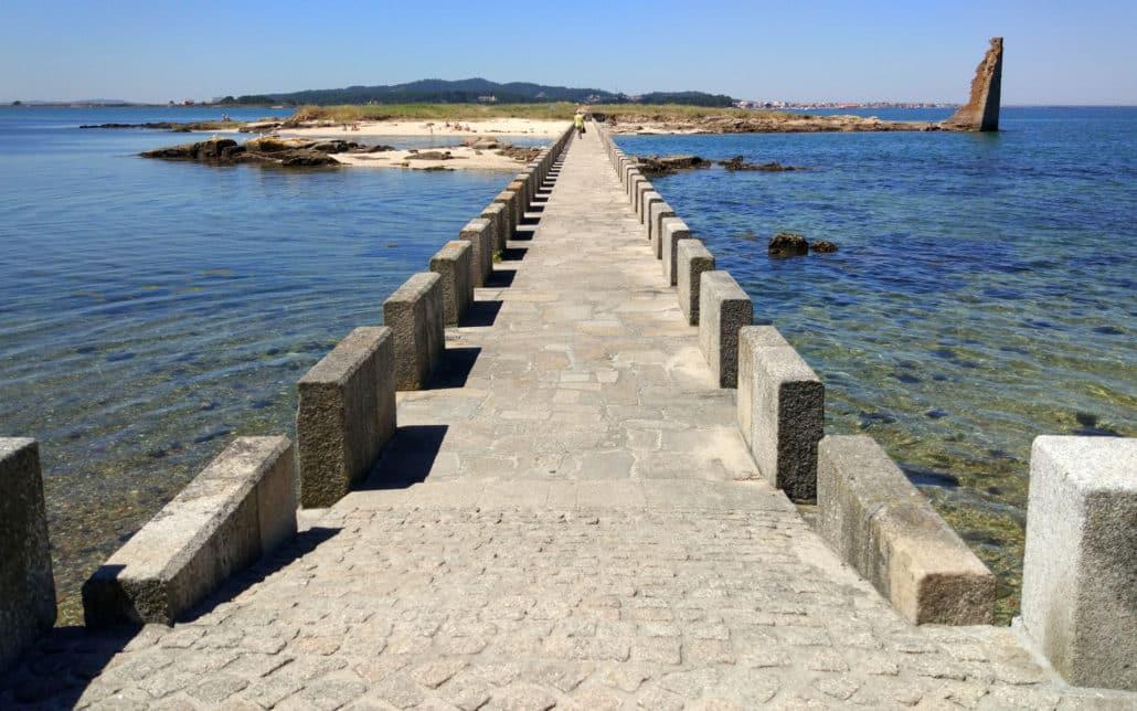 Playa de A Mouta y Torre de San Sadurniño Cambados